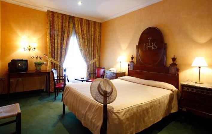 Hotel 84
