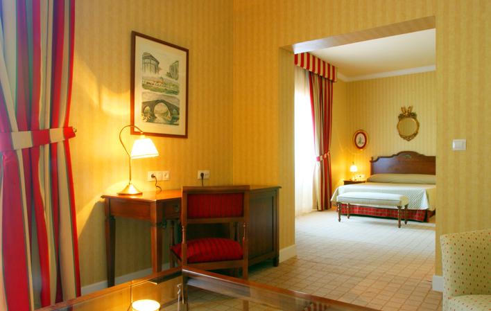 Hotel 87