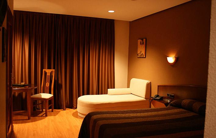Hotel 284