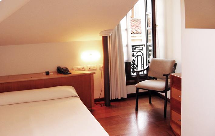Hotel 237