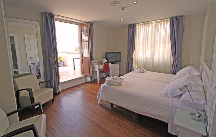 Hotel 317