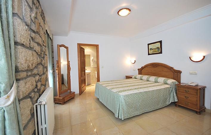 Hotel 203