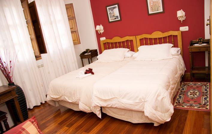 Hotel 354