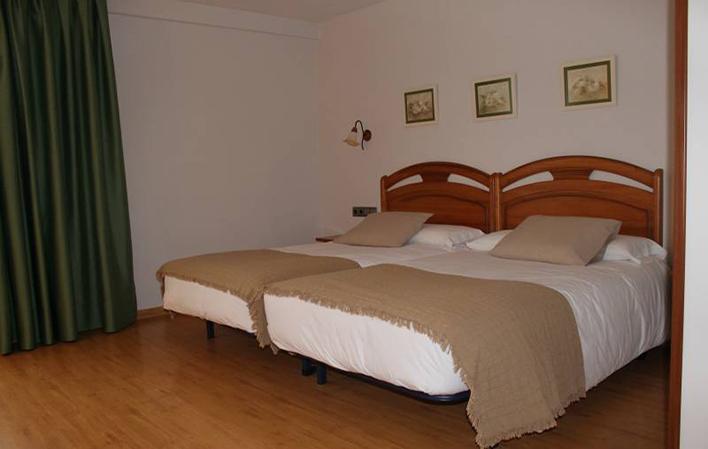 Hotel 303