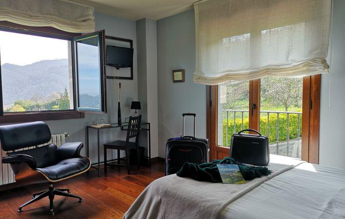 Hotel 350