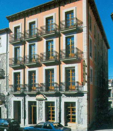 Hotel-Apartamento 27