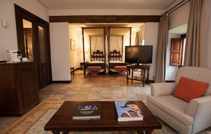Hotel 269