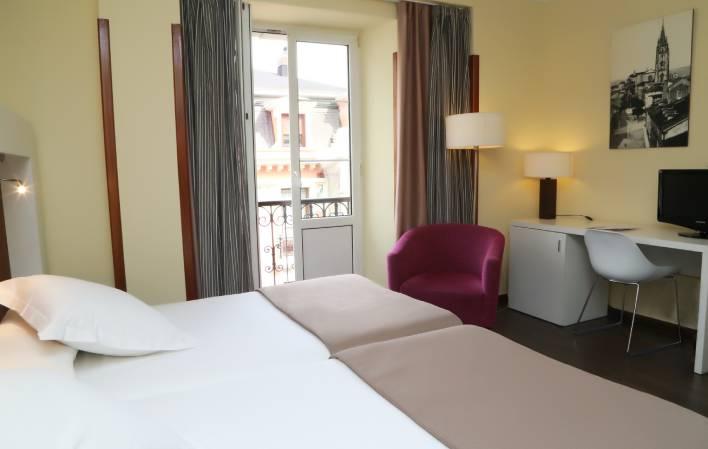 Hotel 313