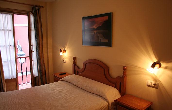 Hotel 325