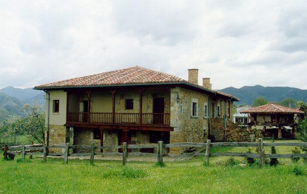 Casa de aldea 437