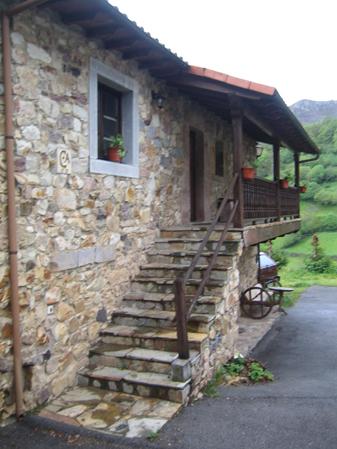 Casa de aldea 587