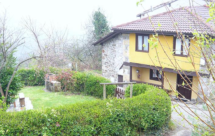 Casa de aldea 675