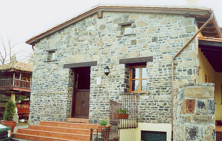 Casa de aldea 444
