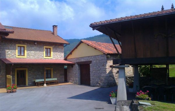 Casa de aldea 554