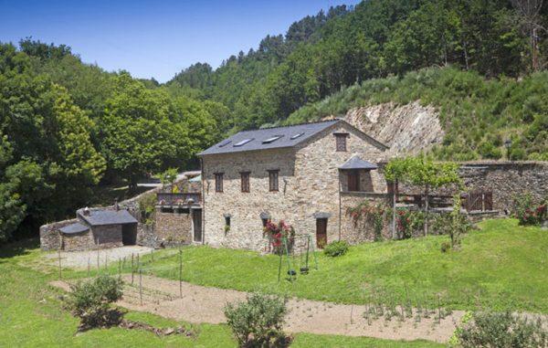 Casa de aldea 490