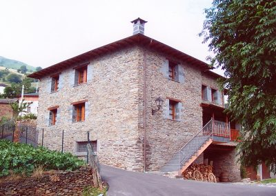 Casa de aldea 449