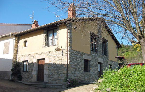 Casa de aldea 595