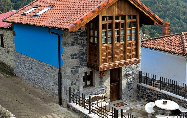 Casa de aldea 477