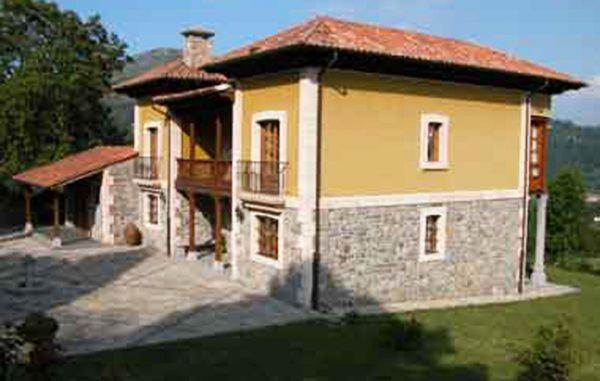 Casa de aldea 461