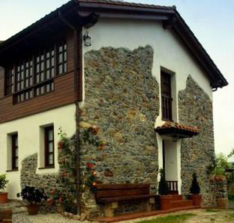 Casa de aldea 677
