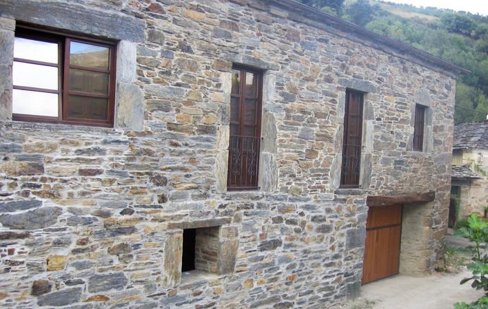 Casa de aldea 418