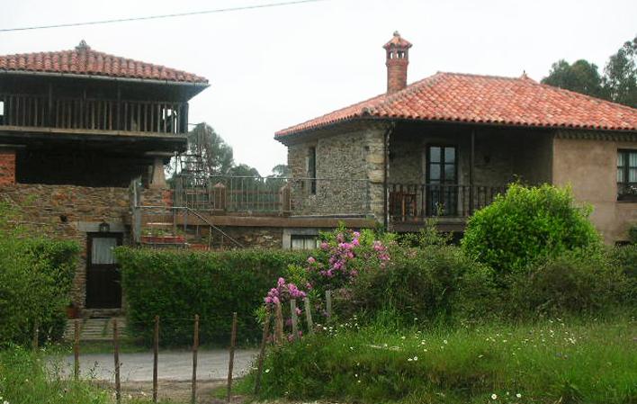 Casa de aldea 479