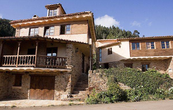 Casa de aldea 468