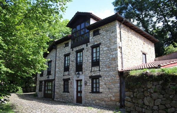 Casa de aldea 480