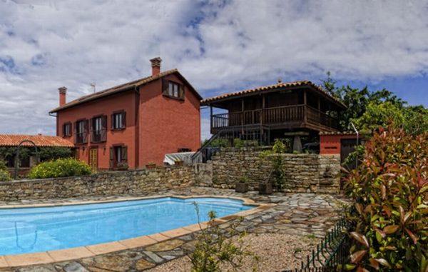 Casa de aldea 553